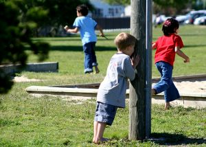 kids-playing-hide-and-seek.-Free-Summer-fun.